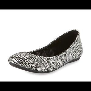 Molly Metallic Cracked Suede Ballet Flat Size 5